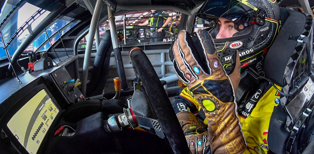 BLANEY HONORING 'AVENGERS: INFINITY WAR' WITH INFINITY GAUNTLET GLOVES