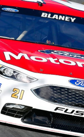 Crash Mars Potential Top 10 Finish for Motorcraft/Quick Lane Team in Charlotte